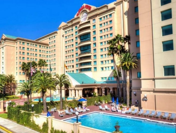 florida-hotel-conference-center-outside